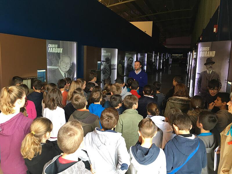 Visite guidée du Musée des 24 Heures adaptée pour les groupes scolaires et les enfants