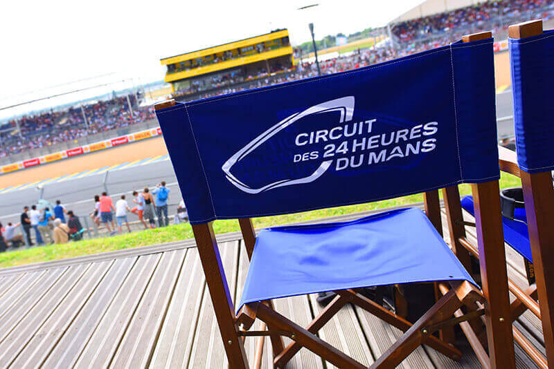 Visite guidée et téâtralisée du circuit des 24 Heures du Mans, pour petits et grands, loisir amusant, enfants et adultes