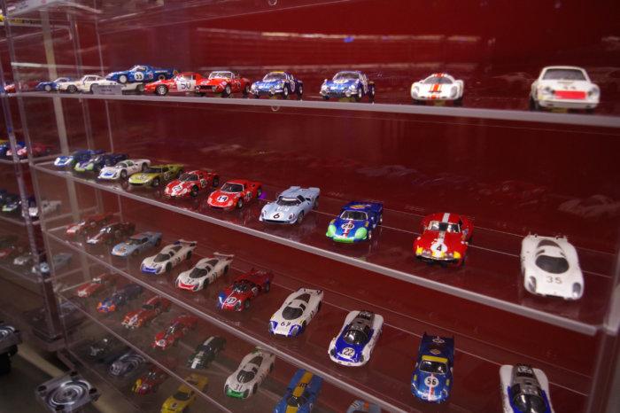 Le Musee Des 24 Heures Chez Vous La Vitrine Du Plateau Des 24 Heures Du Mans 1968 Musee Des 24 Heures Du Mans Musee Des 24 Heures Du Mans